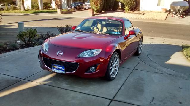 2011 Mazda Miata MX-5 (2).jpg