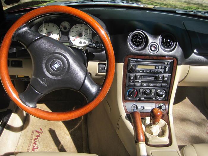 https://www.mx5world.com/registry/pictures/260405/2000_Mazda_Miata_Special_Edition_Mahogany_Mica_004.jpg